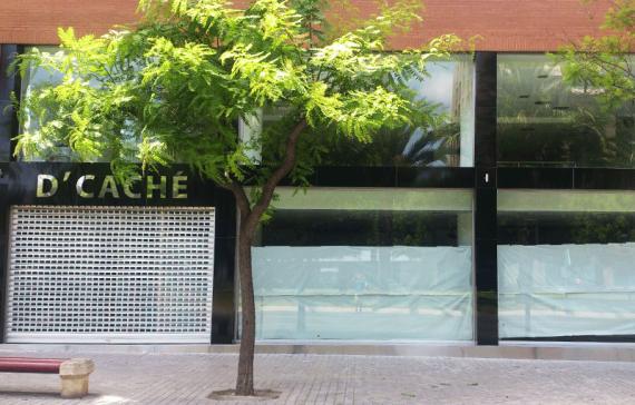 Rotulo y fachada Alucobon tienda de muebles en Alicante